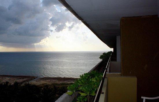 Melia Habana: Blick vom Balkon zum Meer