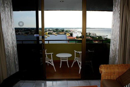 Melia Habana: Blick vom Balkon zum Einkaufszentrum