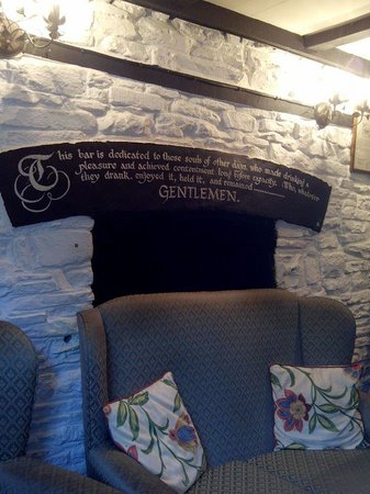 The Bridge Inn: pub