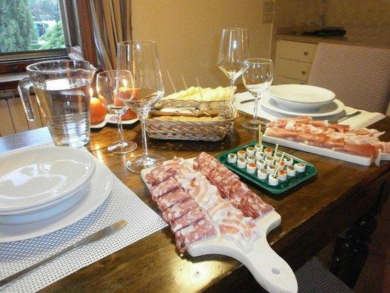 Casa La Querce Bed & Breakfast: Cena in camera 'Dimmi di Siì