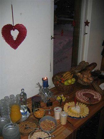 Hotel Bellavista: Frühstück vom reichhaltigen Buffet mit regionalen Produkten