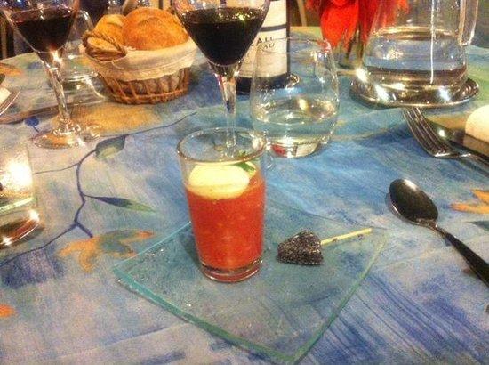 St hubert: Amuse bouche : caviar de tomate et sucette de chèvre frais