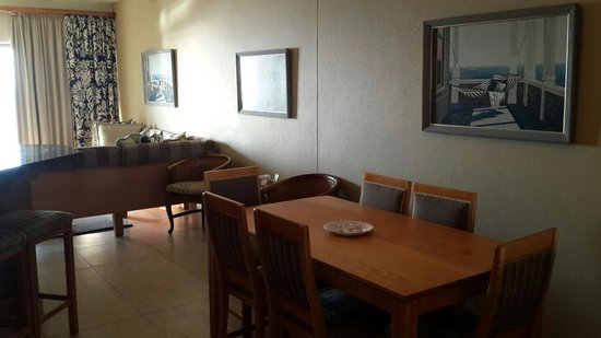 Margate Sands: Dining room and lounge