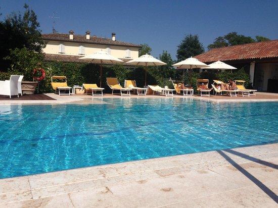 Piscina foto di relais villa abbondanzi faenza - Agriturismo con piscina emilia romagna ...