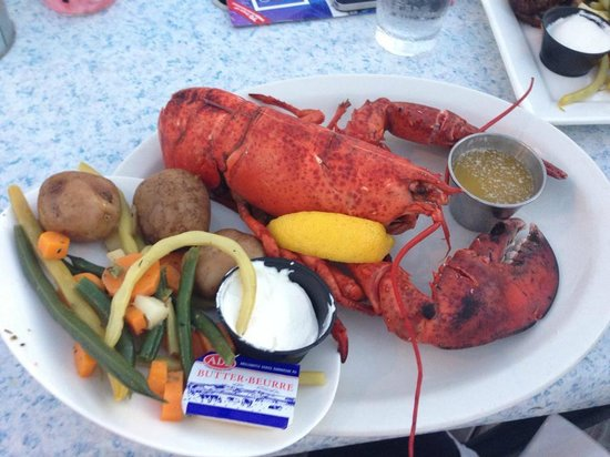 Lobster-On-The-Wharf Restaurant: Great lobster 1,5lb