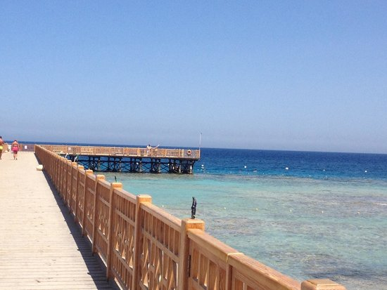 The Grand Makadi Hotel: Private peer to snorkel from.