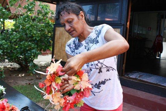 Fare Vaihere : actiité couronne de fleurs