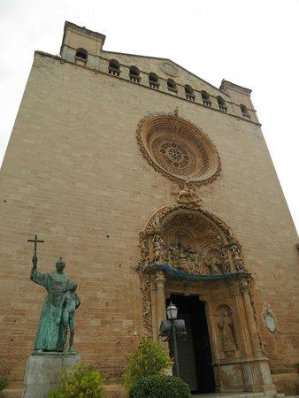 Basilica de Sant Francesc: Фасад