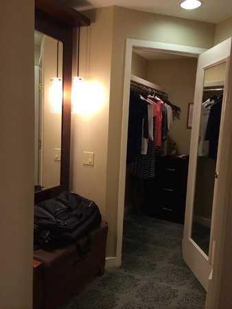 Fairmont Scottsdale Princess: Closet