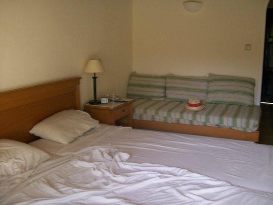 SENTIDO Apollo Palace : chambre