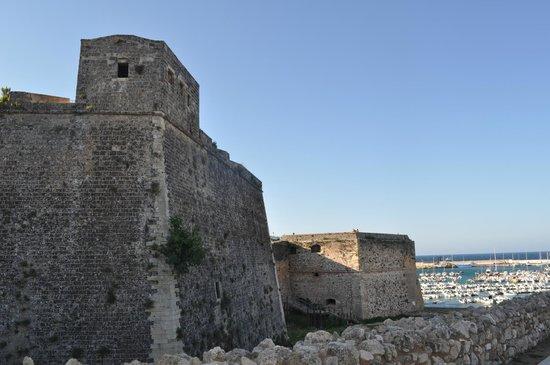 Corte di Nettuno : Castello di Otranto