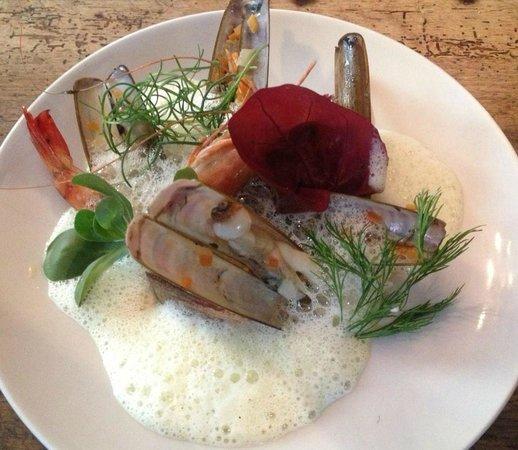 Brasserie Comptoir 44: Assiette de couteaux....