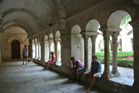 Saint-Paul de Mausole : Kloostergang