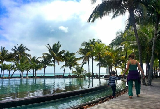 Trou aux Biches Beachcomber Golf Resort & Spa: piscina centrale