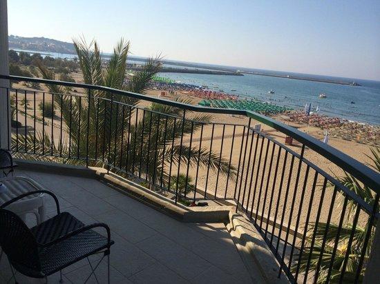 AQUILA Porto Rethymno Hotel: Балкон сьюта