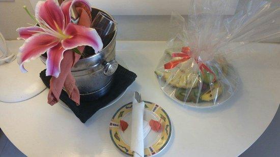 Tropical Attitude: Our honeymoon welcome