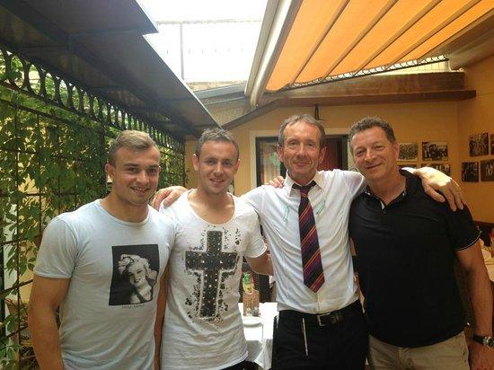 Ristorante Al Gondoliere: Bayern Monaco!! Thanks to Shaquiri, Rafinha and Gianni Bianchi!
