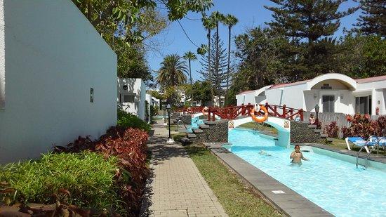 Cordial Biarritz Bungalows: piscina espectacular