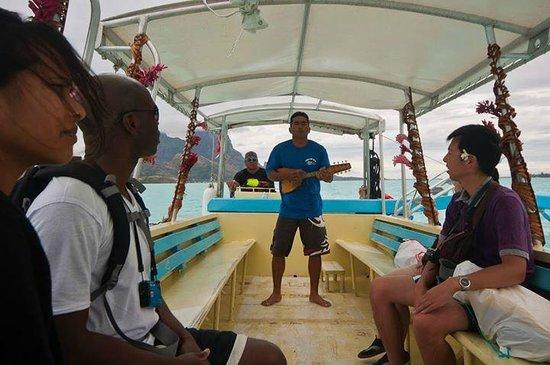 Bora Bora Lagoonarium: Guides