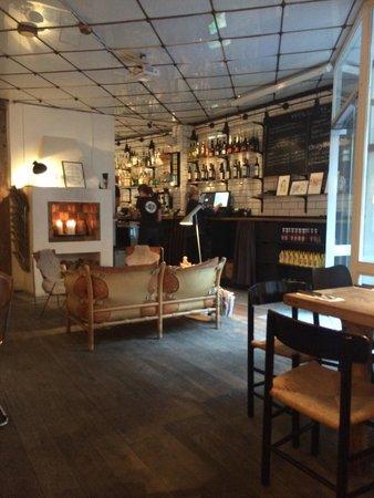 Cock's & Cows Gl. Strand: Интерьер основного зала.