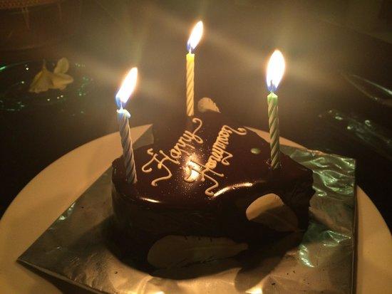 The Kunja Villas & Spa: Our Honeymoon cake!
