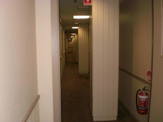 Mercure Grosvenor Hotel : Strange columns