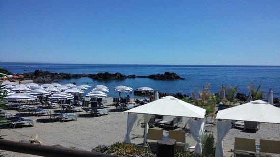 Dal Pirata Beach: Veduta da un angolo del ristorante