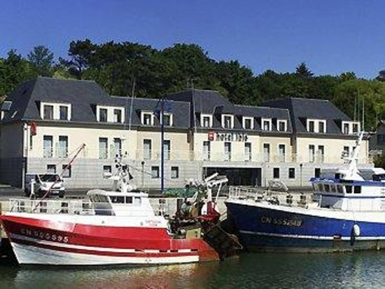 Ibis Bayeux Port en Bessin : Right in the port