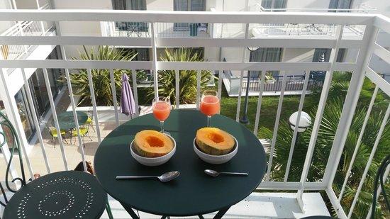 Residhome Arcachon Plazza: Pretty but miniature balcony