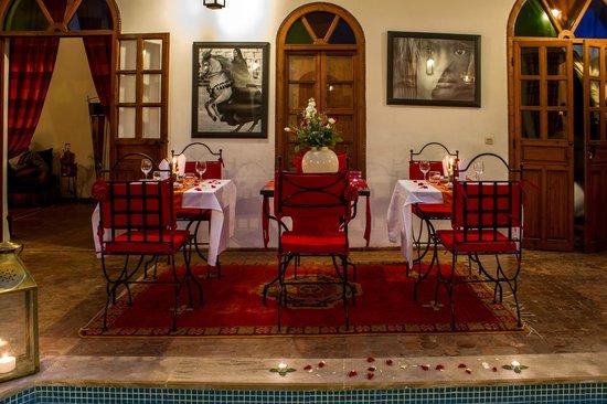 Riad Adika : Patio Table d'Hôte
