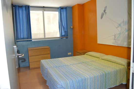 Be Dream Hostel: Clean bedsheet and spacious room