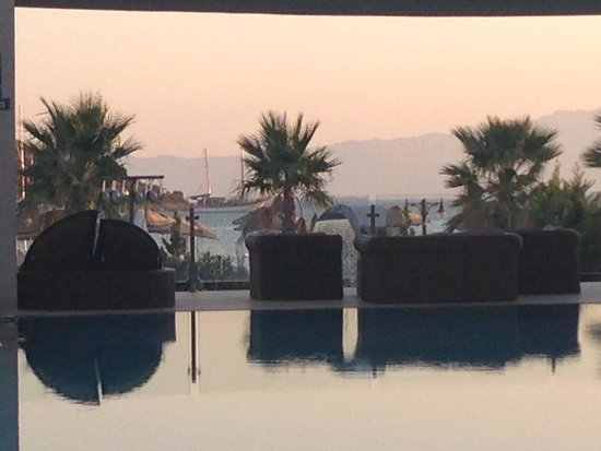 Ambrosia Hotel: Sunset at Ambrosia