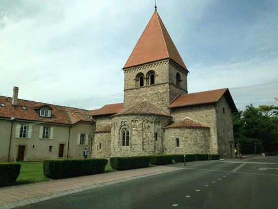 Saint Sulpice, Switzerland: chiesa