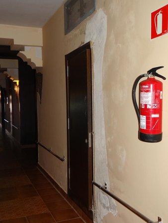 Be Live Collection Saidia: Les murs abimés des couloirs