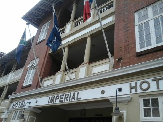 Imperial Hotel: Hotel Entrance