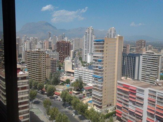 Apartamentos Oasis Benidorm : vista dal bagno