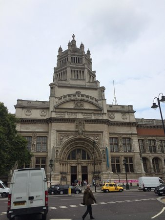 V&A  - Victoria and Albert Museum: View