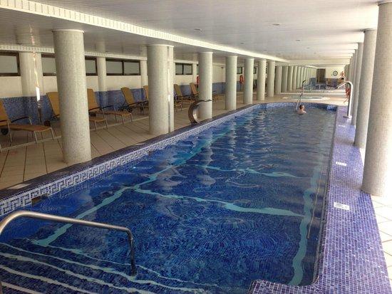 Es Port Hotel: Zwembad