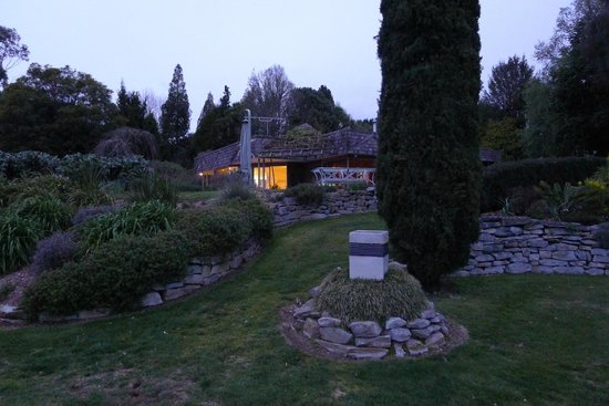 Kamahi Cottage: In the Grounds