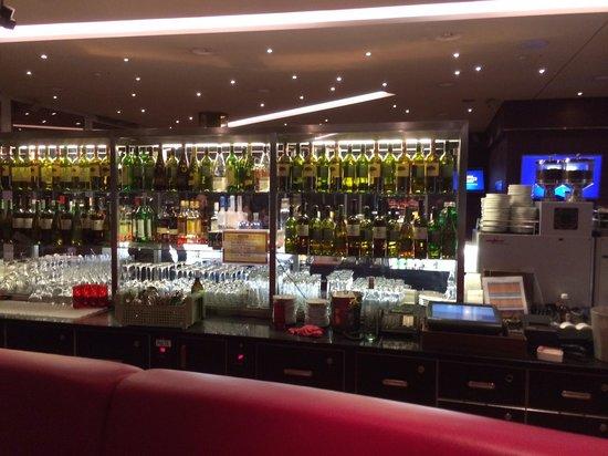 Hilton Zürich Airport: bar