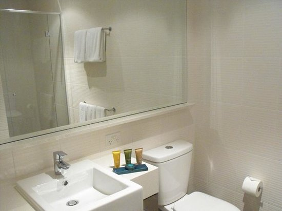Melbourne Short Stay Apartments Southbank Collection: Ensuite