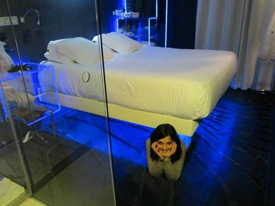 letto foto di seven hotel paris parigi tripadvisor. Black Bedroom Furniture Sets. Home Design Ideas