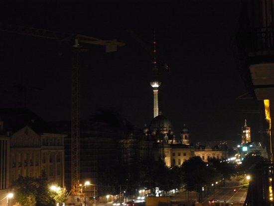 The Westin Grand Berlin: 反対側にはテレビ塔