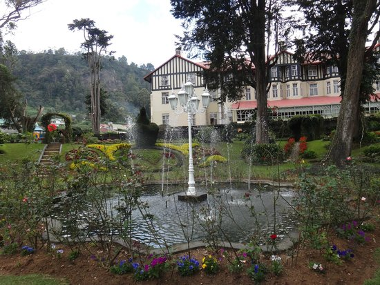 The Grand Hotel : beautiful garden of the Hotel