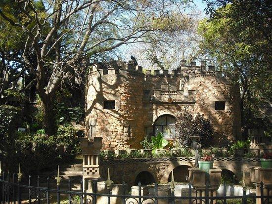 The Nesbitt Castle: Entrance