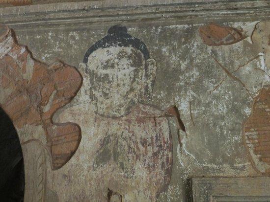 Htilominlo Pahto : 仏陀の壁画?