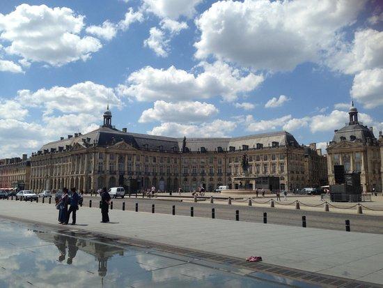 Place de la Bourse (Place Royale): ブールス広場