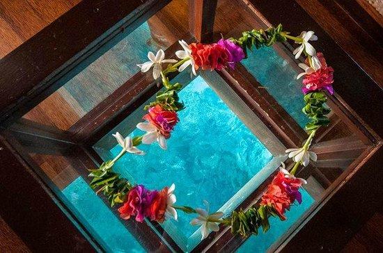 Maitai Polynesia Bora Bora: Coffee table inside