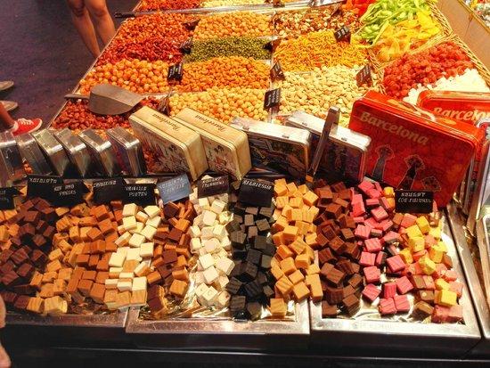 Mercado de Sant Josep de la Boqueria: Banchi di cioccolato
