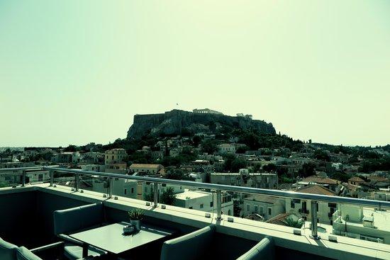 Central Athens Hotel: вид с бара-терассы